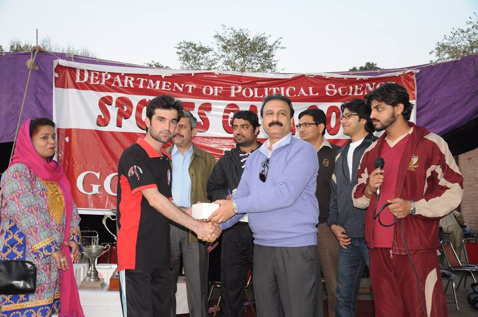Muhammad Naseem receiving Player of the Match Award from the Chairperson