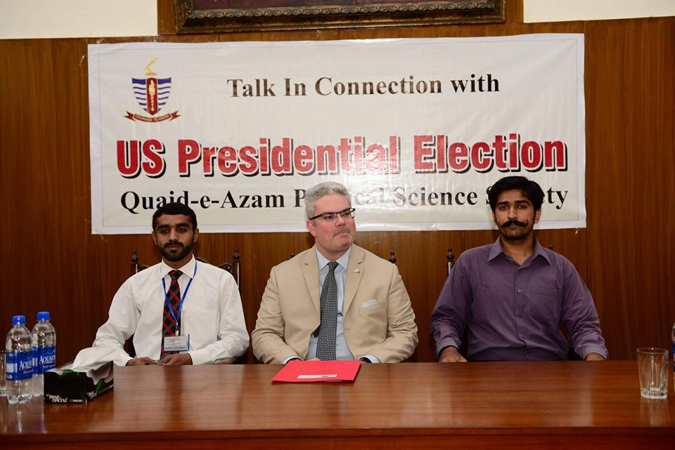 Consul General with Office Bearers of the Society