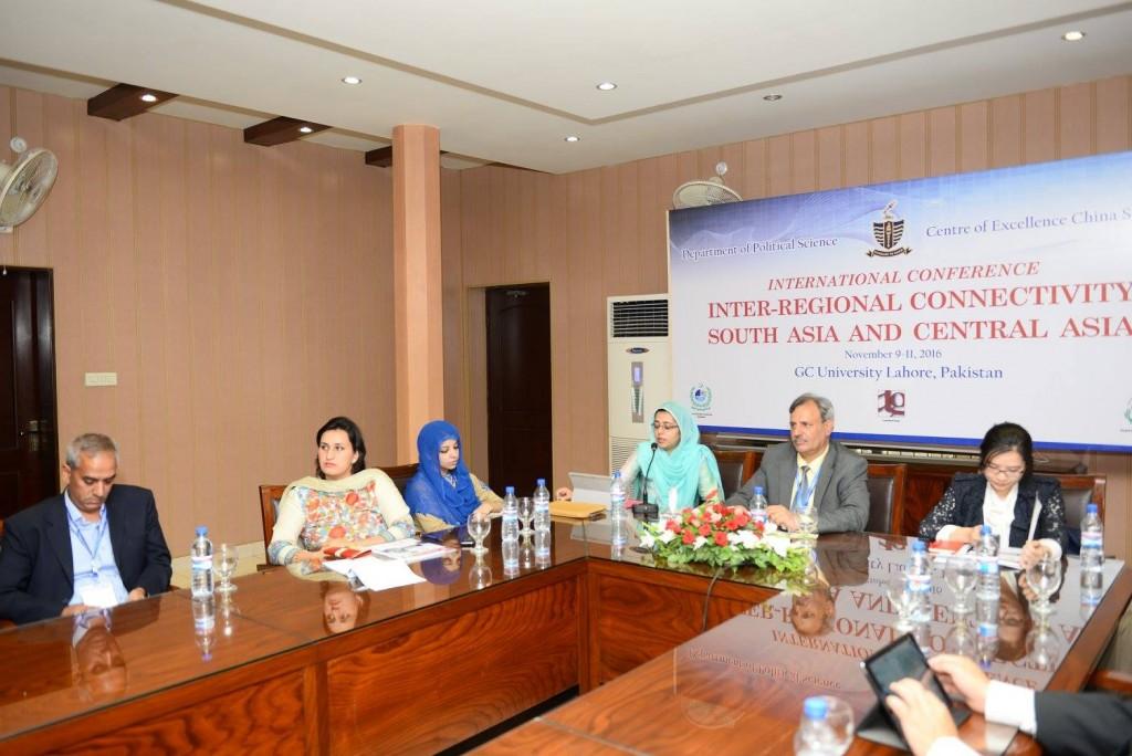 Dr. Raza Rehman Qazi (Peshawar University), Ms. Saadia Saif Niazi (NUML), Ms. Fatima Raza (ISSI), Dr. Saira Ahmed (Italy), Dr. Sarfraz Khan (Session Chair), Ms. Zhou Yuan (Beijing, China)